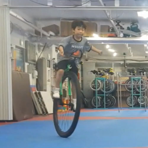 Nimbus Nightfox unicycle ridden by a 6 year old!